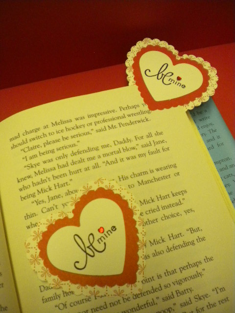 Corner bookmark 002