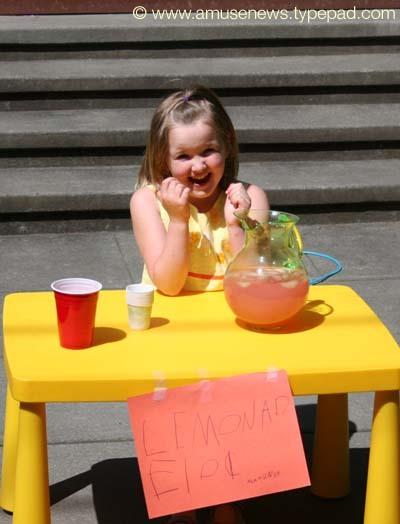 Makennas_lemonade_stand