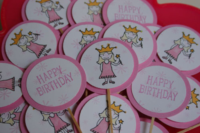 Birthday_cupcake_toppers_1